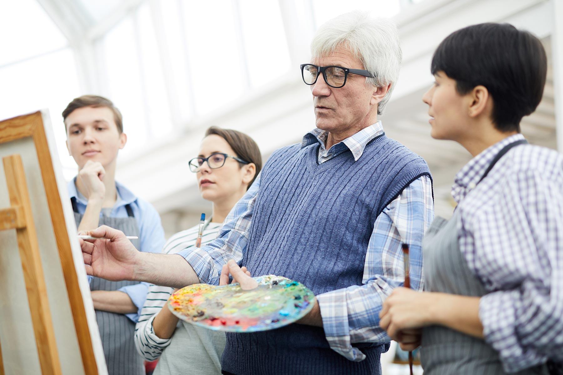 mature-art-teacher-VZQ8FX2.jpg